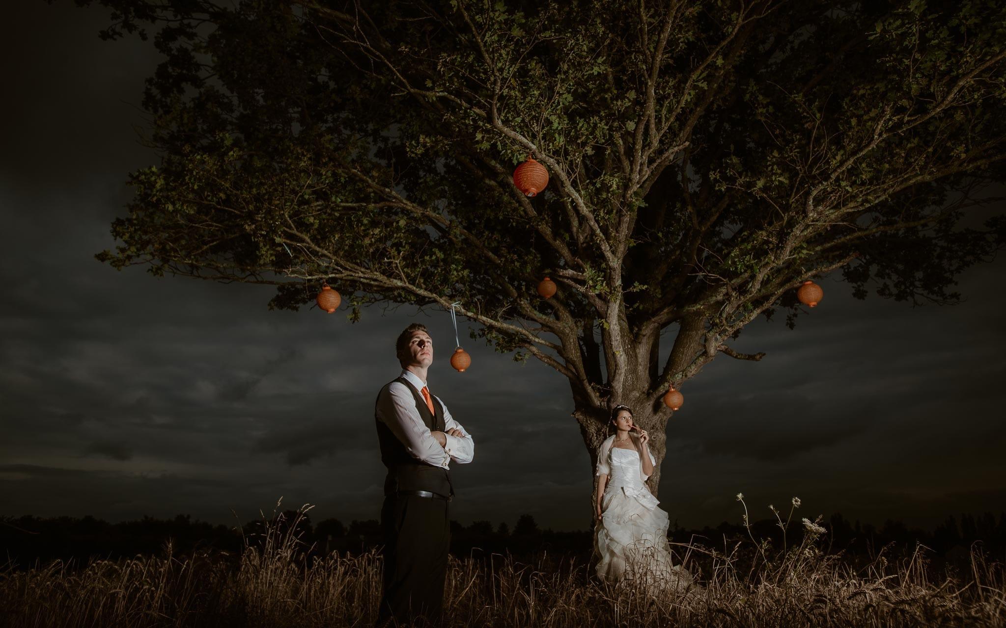 Séance couple après mariage fantastique & poétique inspirée Tim Burton près de Nantes par Geoffrey Arnoldy photographe