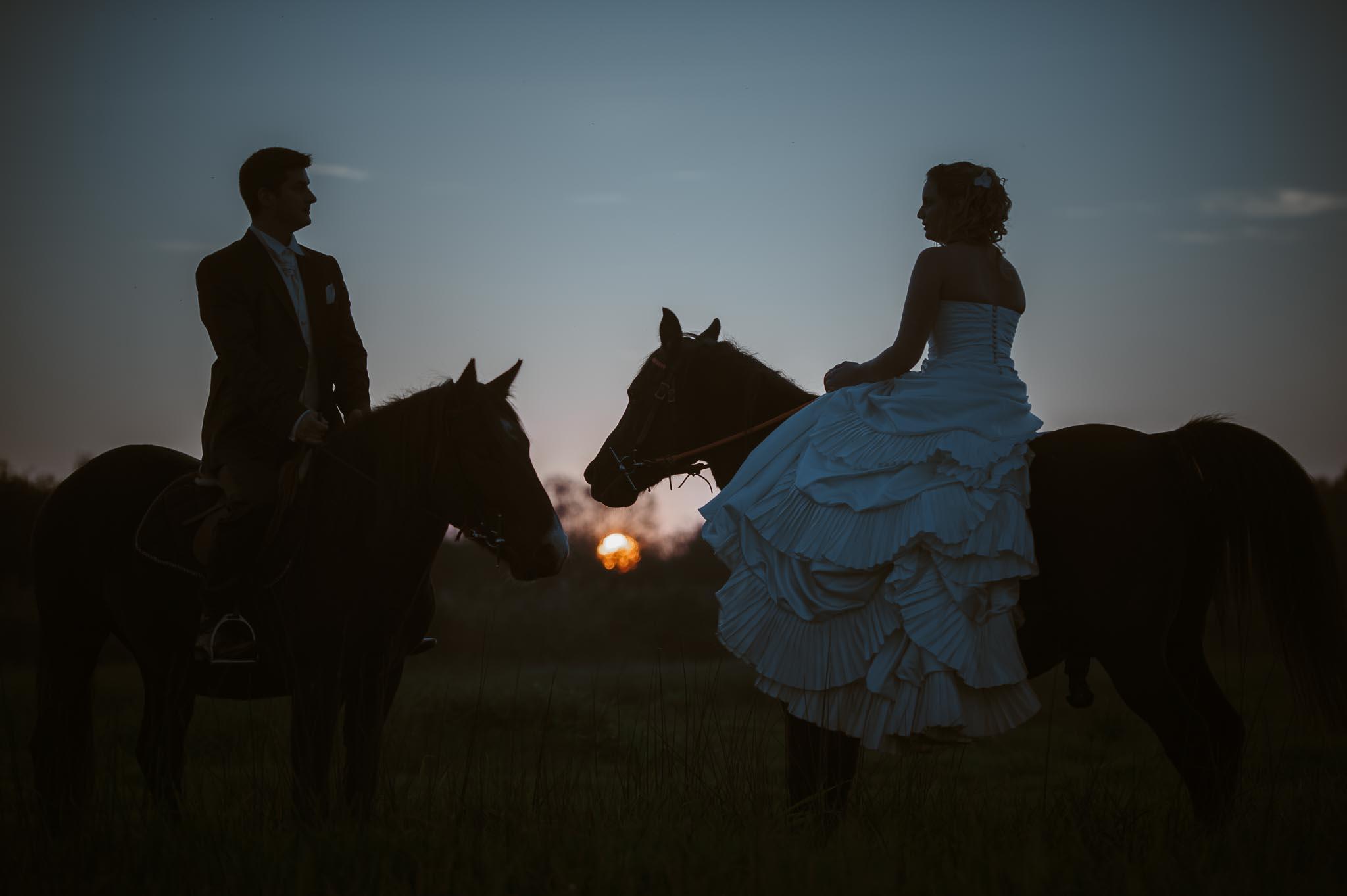Séance couple après mariage fantastique & poétique inspirée de l'univers Disney près de Nantes par Geoffrey Arnoldy photographe