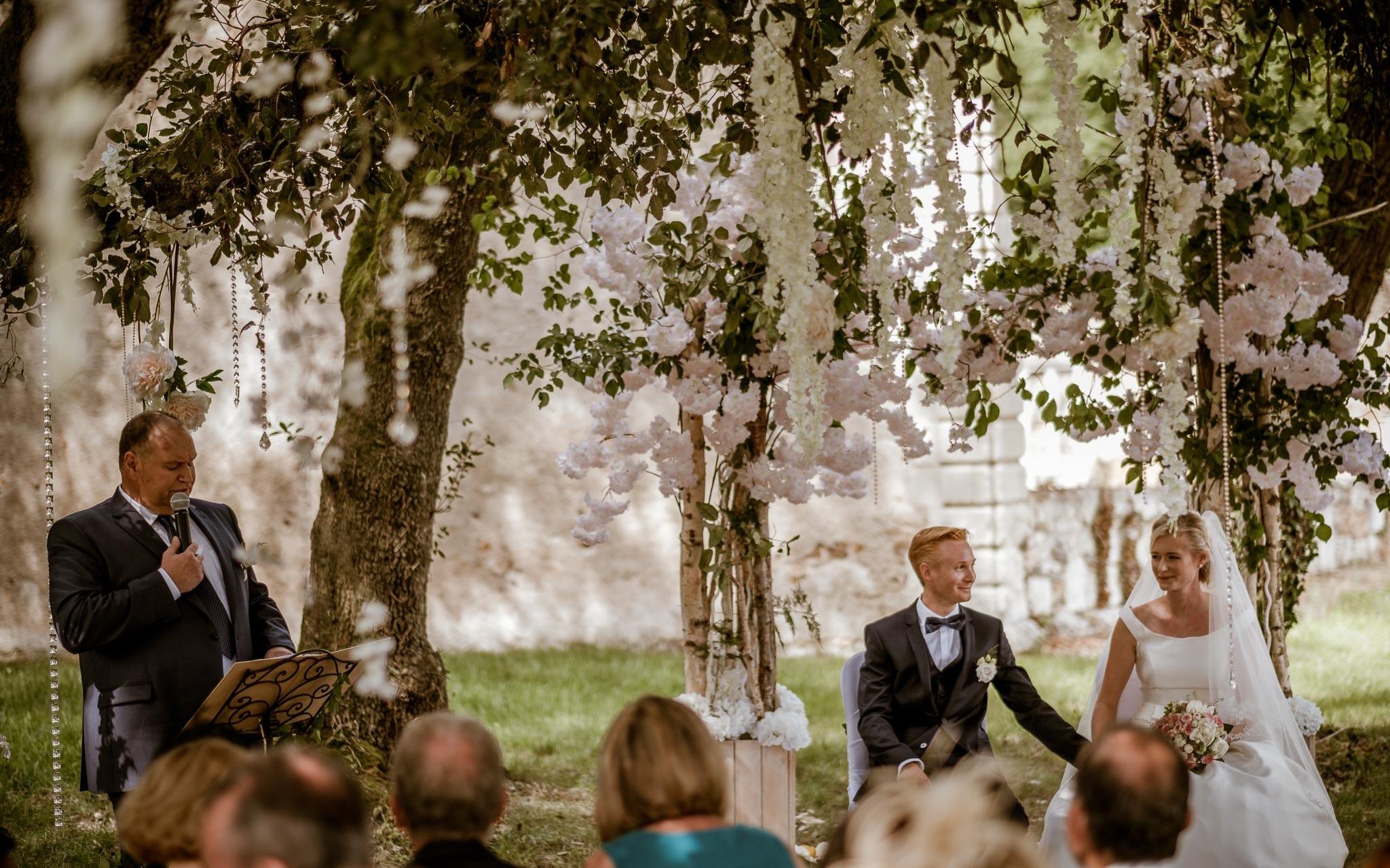 photographies d'un mariage de princesse au Château de Vair, près de Nantes